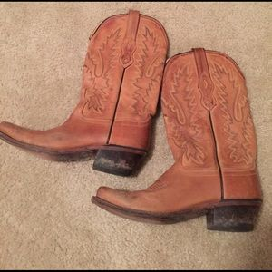Shoes - Old west brand women's boots. Size 6. NARROW