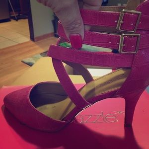 Shoe Dazzle Shoes - Gorgeous pink heel