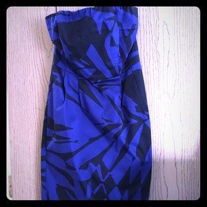 🔵⚫️ EXPRESS ⚫️🔵 strapless dress size 4
