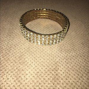 Jewelry - Gold bracelet.