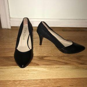 Shoes - Black Heels size 6