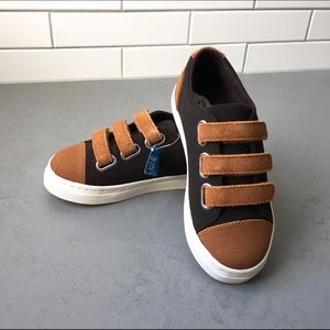 Umi Other - Uni Ron Sneakers NIB - size 12
