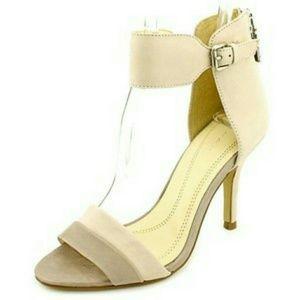 Tahari Shoes - New!🎉🎊Tahari Laura Heels With Ankle Straps