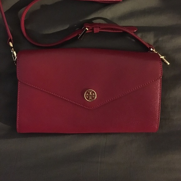 bd3268a23ba Tory butch crossbody clutch purse