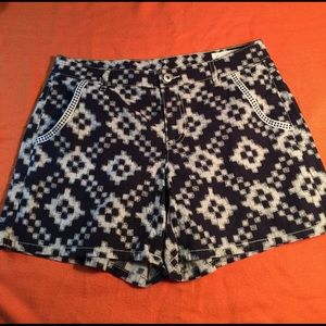 Two by Vince Camuto shorts, navy & white, size 6