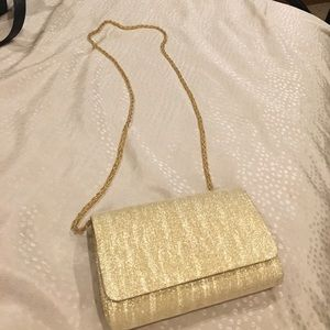 La Regale Handbags - Like NEW! La Regale Gold Clutch Purse PROM