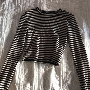 Long sleeved, striped crop top.