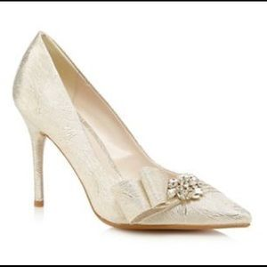 Jenny Packham Shoes - Perfect Champagne Bridal Heels, Almost New, Size 9