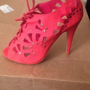 Show /lace up sandal