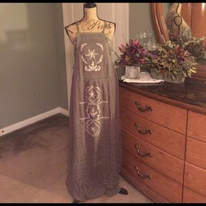 Dresses & Skirts - Embroidered design Maxi
