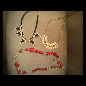 Jewelry - Bundle of Necklaces