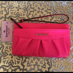 Bird by Juicy Couture Handbags - 🎀NEW JUICY COUTURE WRISTLET