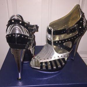 Dereon Shoes - Dereon Entrapment platform heels