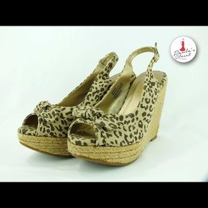 me too Shoes - Leopard Print Platform Wedges size 81/2