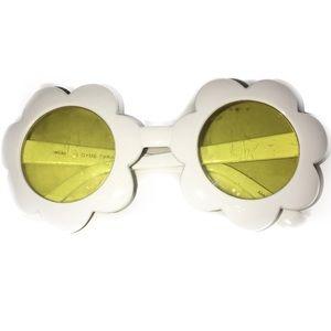 Gymboree Other - 🕶Gymboree White Flower Shape Sunglasses 4 Yr & Up