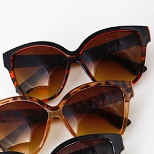 Accessories - Must Have Simple Sunglasses