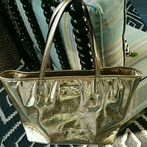 ASK ME ABOUT PRICE !!!Sale!!!GORGEOUS GOLD TOTE