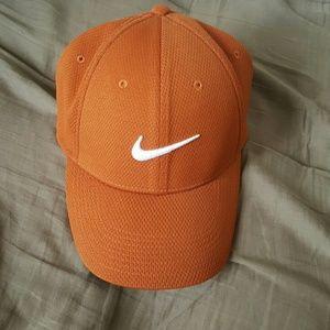 🔴MOVING SALE🔴Nike Orange Cap