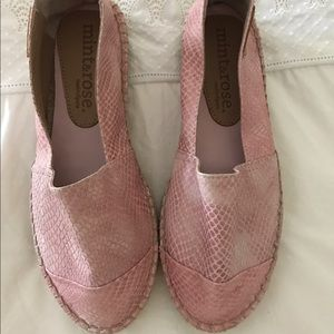 Shoes - Beautiful mint&rose espadrilles. Fit like 6.