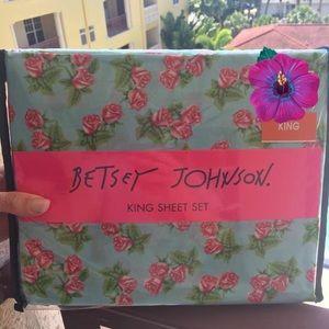 Stripe king sheet set betsey johnson pink skull embossed sheet set
