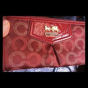 ♦️COACH Signature♦️ wallet with strap