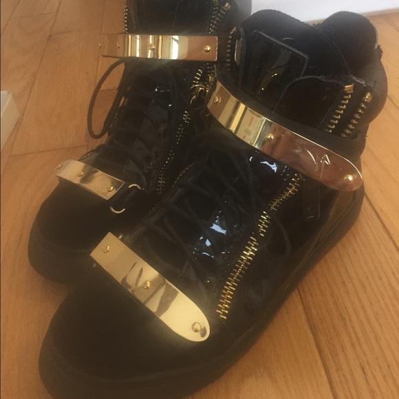 2699b33f97d Giuseppe Zanotti Other - Giuseppe Zanotti men s high top gold bar sneakers
