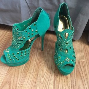 Alba Shoes - Green and gold Alba heels, size 8.5