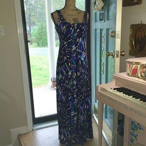 Glamour & Co. Dresses & Skirts - Gorgeous Maxi Dress