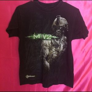 Hot Topic Other - 🐚✨Mw2 tshirt✨🐚
