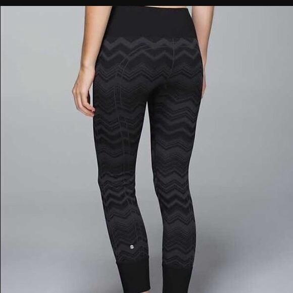 fee3e5b45 lululemon athletica Pants - Lululemon Ebb to Street zigzag pants leggings
