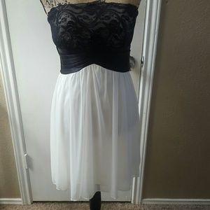Charlotte Russe Dresses & Skirts - Strapless Dress