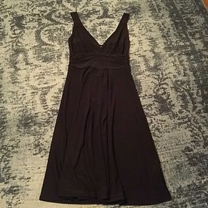 Snap Dresses & Skirts - V neck black dress