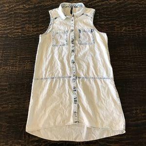 Influence Dresses & Skirts - Influence Acid Wash Sleeveless Button Front Dress
