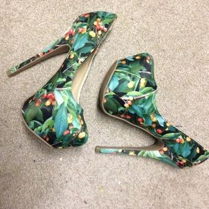 Liliana Shoes - Awesome patterned platform heels