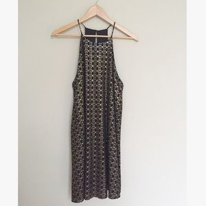 NWT Everly Bet on Black and Gold Keyhole Dress