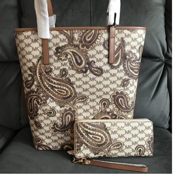 0705f9fc4c33 Michael Kors Bags | Host Pickbrand New Mk Paisleypurse Wallet Set ...