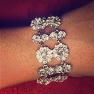 "Jewelry - Gorgeous 7"" bling bracelet"