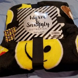WARM & SNUGGLY COLLECTION Other - LUXE PLUSH EMOJIS BLANKET.