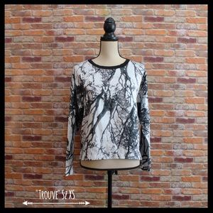 Trouve Tops - Trouve Marble Print Popover Top