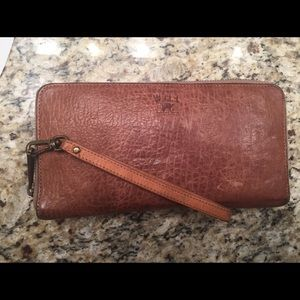 Will Leather Goods Handbags - Will leather goods imogene checkbook clutch