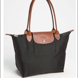 Longchamp Handbags - Longchamp shoulder Tote