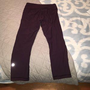 Cropped purple/maroon lululemon leggings