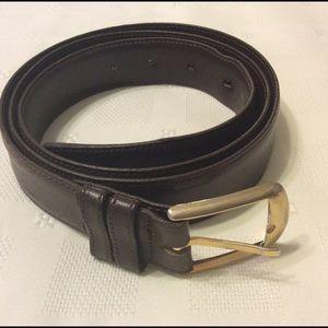 Dark brown leather belt. Sz 42.