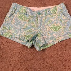Lilly Pulitzer Walsh shorts size 6. Green/blue