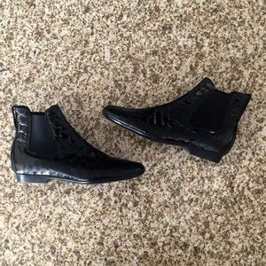 Donald J. Pliner Shoes - Donald J. Pliner Derry black croc patent boots!