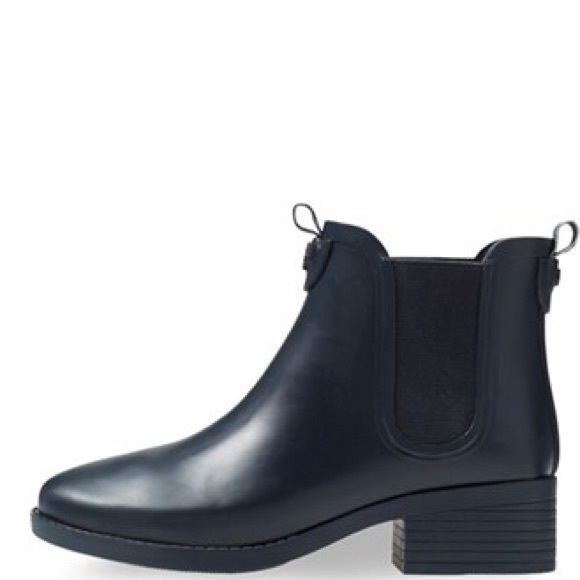 7de06e18c007 Tory burch Chelsea rubber ankle rain boots logo 11.  M 58e31ee64e8d17a83d0f6a37