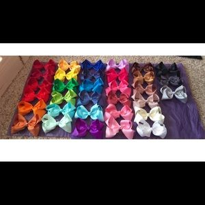 Other - Collection Of 32 Hair Bows