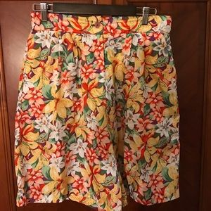 Laura & Jayne Collection short