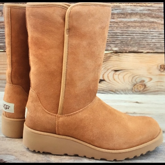 d27e0c5e755 UGG Amie Slim Chestnut Sheepskin Wedge Boots 9.5 Boutique