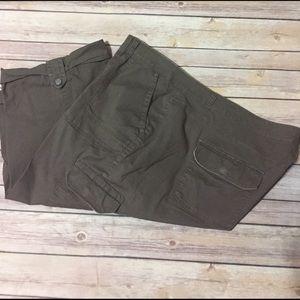Gloria Vanderbilt Pants - Gloria Vanderbilt Olive Cargo capris 22w